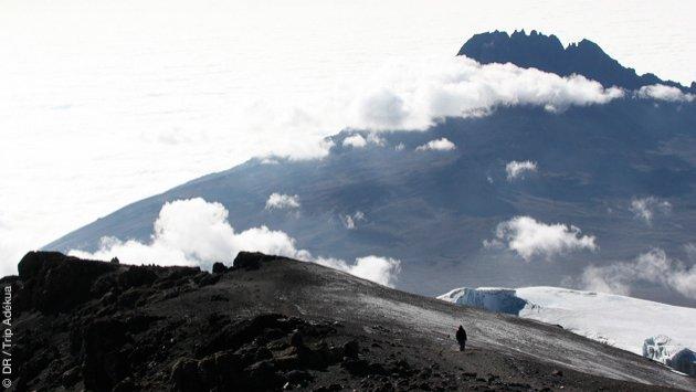 Une expédition trekking sur les pentes du Kilimanjaro avec porteurs et encadrement pendant toute la durée du séjour