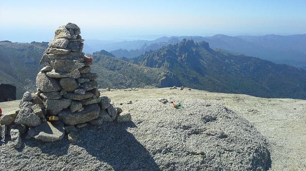 Traversée de la Corse, du Nord au Sud, par le GR20, pour trekkeurs passionnés
