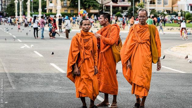 Moines rencontrés lors des randonnée auprès des temples du Cambodge