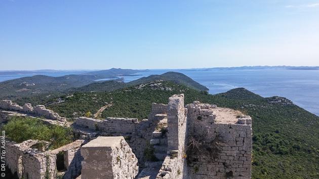 Vos treks en Croatie vous amènent sur les îles de Pag et d'Uglian