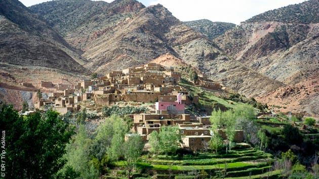 Paysages sublimes, entre vallées et montagnes, dans le Haut Atlas Central du Maroc
