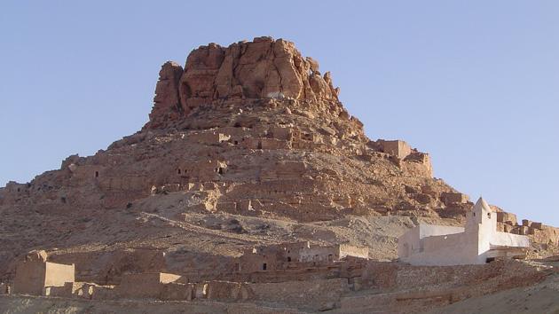 Un itinéraire de trek entre montagne et désert du Sahara