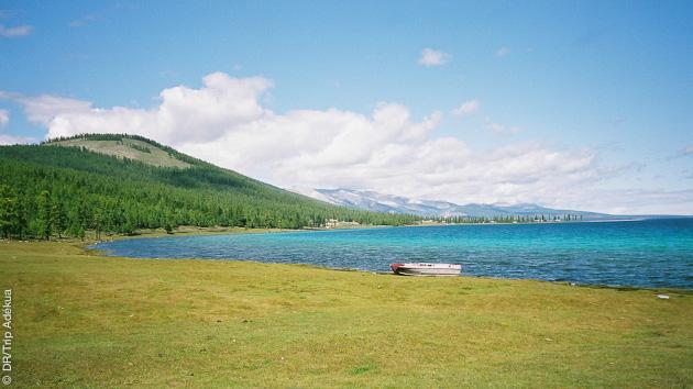 Temps suspendu et paysages sublimes lors de votre trekking en Mongolie
