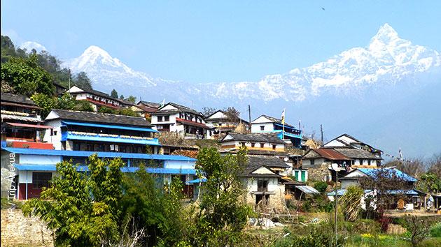 Au coeur des montagnes himalayennes, sur les sentiers de randonnées et dans les villages népalais