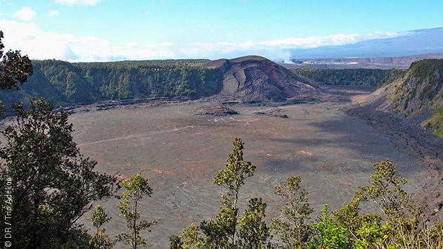 Paysages lunaires, coulées de lave en fusion : vous serez surpris par la variété de découvertes qui vous attendent lors ce votre trek à Hawaï