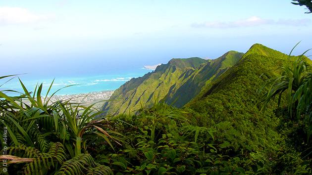 Paysages fascinants à Hawaii : un trek entre ciel, terre et mer