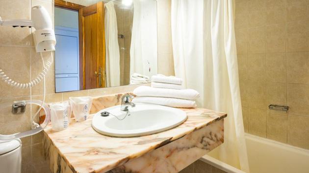 Salle de bain, coin cuisine, terrasse pour votre appartement tout confort