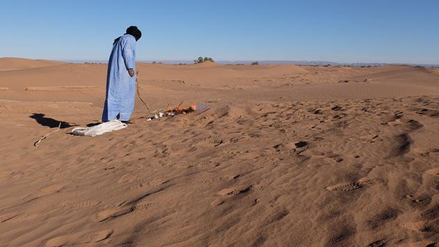 Bivouac et marche dans le désert pour ce trek inoubliable au Maroc