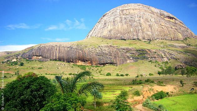 Rencontres et découvertes au détour des sentiers de randonnée lors ce séjour trek à Madagascar
