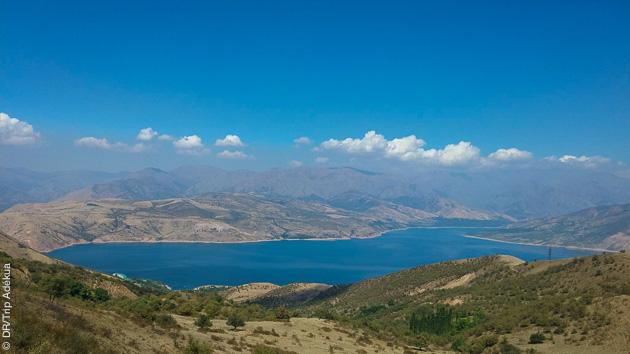 Entre vallées et montagnes, vos randonnées pédestres vous permettront de découvrir les trésors de l'Ouzbékistan