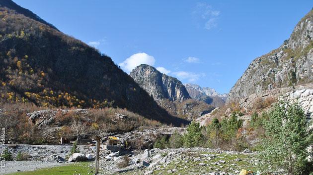 Vallée de Theth, de Valbone, Lac Koman : l'Albanie vous dévoile ses paysages enchanteurs pendant ce trek