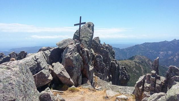 Au départ de Quenza, et vers Propriano, ce circuit trek en Corse vous fera découvrir l'île de Beauté