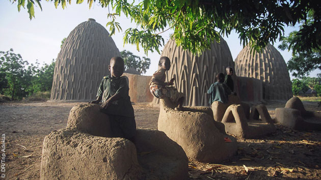Entre villages et montagnes, ce séjour de randonnée au Cameroun vous amène à faire de belles rencontres