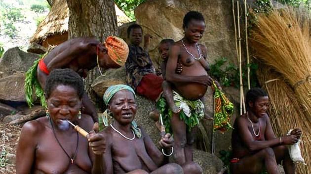 Echanges et partage de moment de vie lors de ce circuit trekking au Cameroun dans les monts Atlantika
